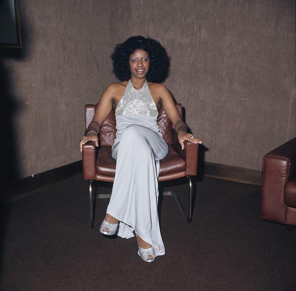 Armchair「Natalie Cole」:写真・画像(14)[壁紙.com]