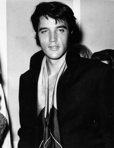 エルヴィス・プレスリー「Elvis Presley 」:写真・画像(16)[壁紙.com]