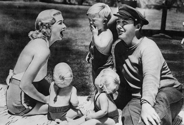Toddler「Bing Crosby And Family」:写真・画像(19)[壁紙.com]
