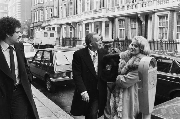 Philanthropist「Frank Sinatra and Barbara Marx」:写真・画像(15)[壁紙.com]