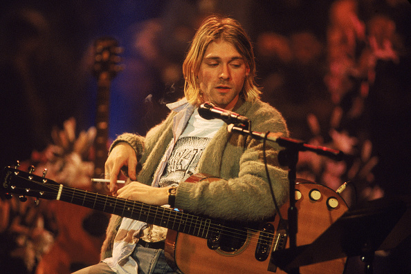 Sweater「Kurt Cobain On 'MTV Unplugged'」:写真・画像(10)[壁紙.com]