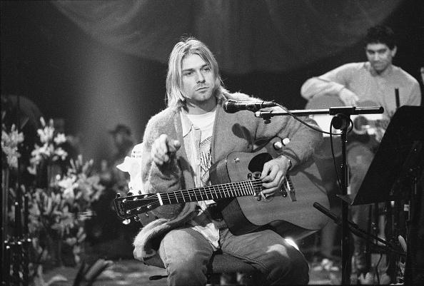 ギター「Kurt Cobain On 'MTV Unplugged'」:写真・画像(4)[壁紙.com]