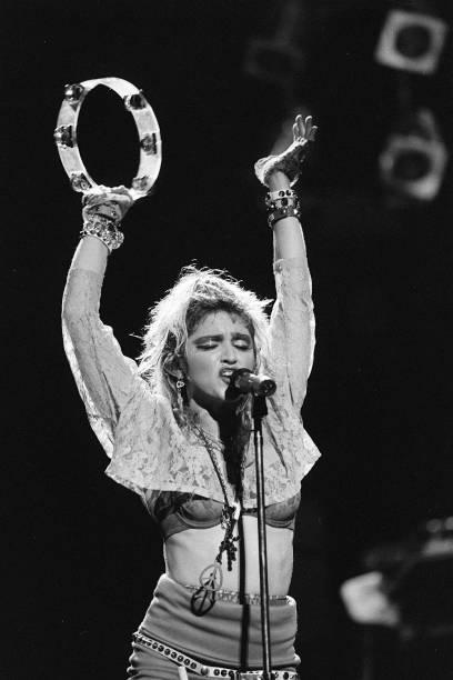 "Madonna's ""The Virgin Tour"":ニュース(壁紙.com)"
