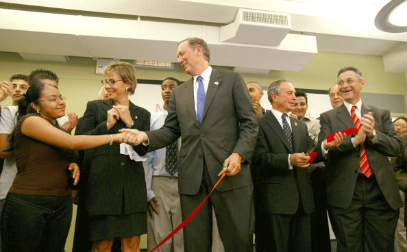 Concepts「Opening Of Millennium High School In New York City」:写真・画像(19)[壁紙.com]