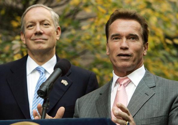 Greenhouse Gas「Schwarzenegger And Pataki Meet On Greenhouse Gas Emissions」:写真・画像(8)[壁紙.com]