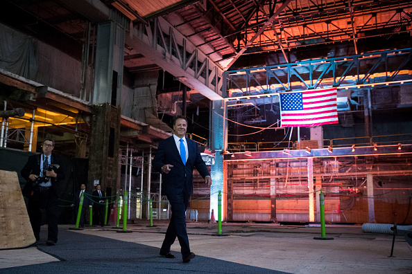 到着「Governor Cuomo Makes Announcement At Moynihan Train Hall」:写真・画像(8)[壁紙.com]