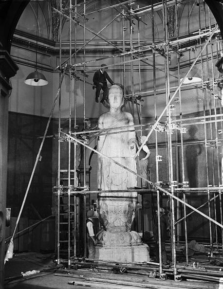 Construction Equipment「Amitabha Buddha In London」:写真・画像(6)[壁紙.com]