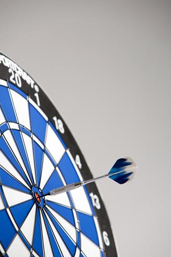 Sports Target「A dart on the bullseye」:スマホ壁紙(2)