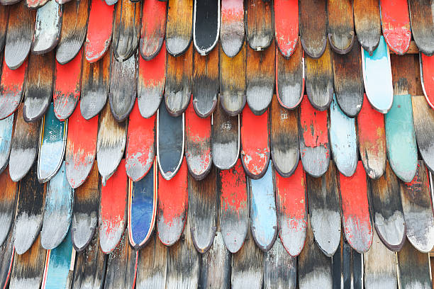 Old skis:スマホ壁紙(壁紙.com)