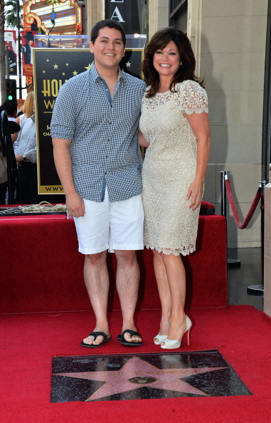 Scalloped - Pattern「Valerie Bertinelli Honored On The Hollywood Walk Of Fame」:写真・画像(3)[壁紙.com]