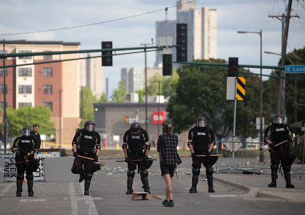 Minnesota「Protests Continue Over Death Of George Floyd, Killed In Police Custody In Minneapolis」:写真・画像(3)[壁紙.com]