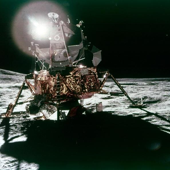 Land「Lunar Module Antares On The Moon,」:写真・画像(18)[壁紙.com]
