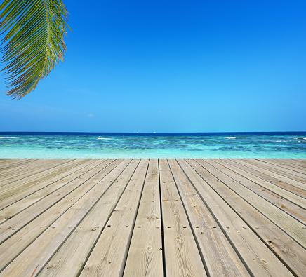 Maldives「Wooden terrace and tropical seascape」:スマホ壁紙(15)