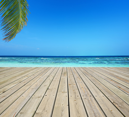 南国「Wooden terrace and tropical seascape」:スマホ壁紙(2)