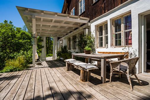 Picnic Table「Wooden terrace in sunlight」:スマホ壁紙(19)