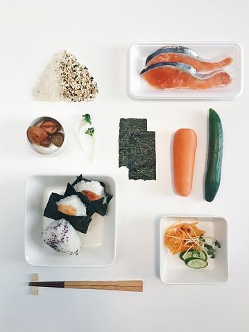 In A Row「Onigiri, Japanese Rice Balls Knolling Style」:スマホ壁紙(4)