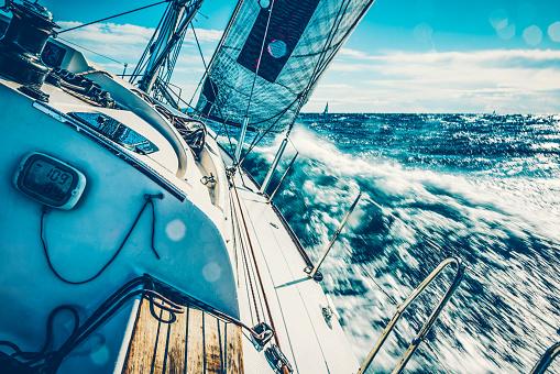Cruise - Vacation「Sailboat on regatta on sunny autumn morning」:スマホ壁紙(17)