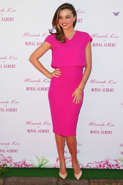 ミランダ・カー「Miranda Kerr Public Appearance At Royal Albert Pop-Up Store Sydney」:写真・画像(10)[壁紙.com]