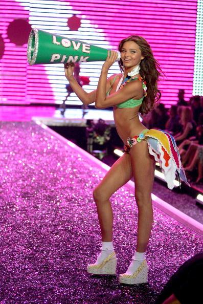Victoria's Secret「The Victoria's Secret Fashion Show - Show」:写真・画像(8)[壁紙.com]