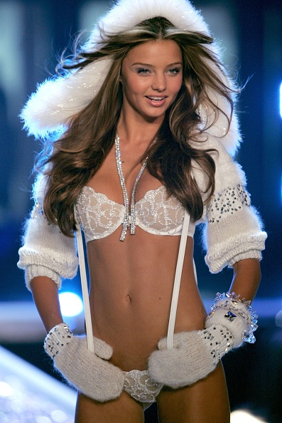 ミランダ・カー「The Victoria's Secret Fashion Show - Show」:写真・画像(4)[壁紙.com]