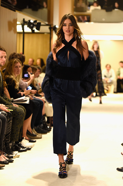 ミランダ・カー「Sonia Rykiel : Runway - Paris Fashion Week Womenswear Spring/Summer 2015」:写真・画像(8)[壁紙.com]