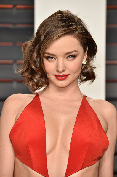 ミランダ・カー「2016 Vanity Fair Oscar Party Hosted By Graydon Carter - Arrivals」:写真・画像(1)[壁紙.com]