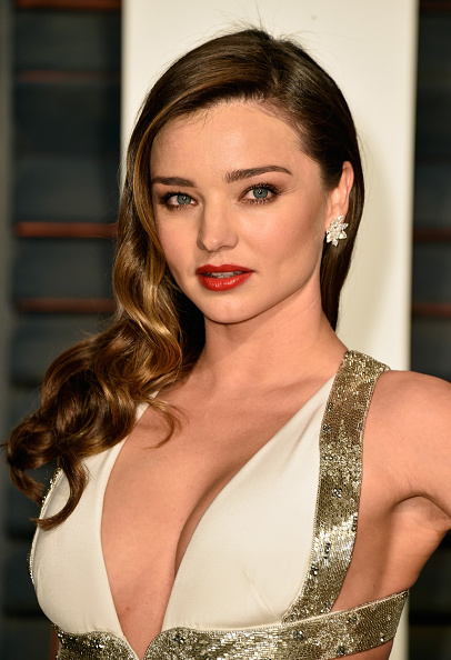 ミランダ・カー「2015 Vanity Fair Oscar Party Hosted By Graydon Carter - Arrivals」:写真・画像(17)[壁紙.com]