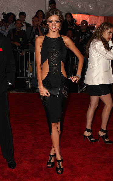 Miranda Kerr「'The Model As Muse: Embodying Fashion' Costume Institute Gala - Arrivals」:写真・画像(8)[壁紙.com]