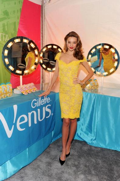 ミランダ・カー「Model Miranda Kerr Kicks-Off The Gillette Venus Goddess Experience Benefitting Step Up Women's Network」:写真・画像(3)[壁紙.com]
