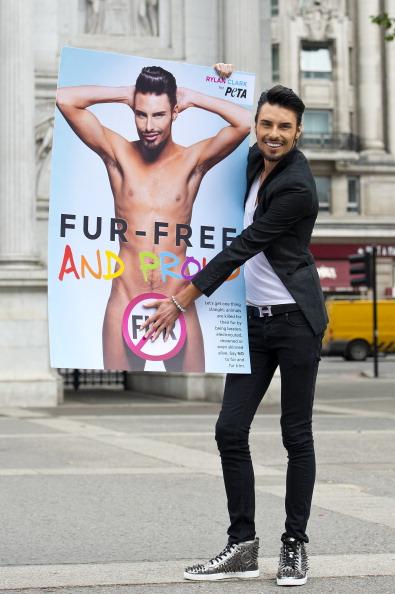 Black Jeans「Rylan Clark Supports PETA - Photocall」:写真・画像(17)[壁紙.com]