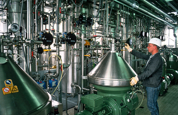 Cooking Utensil「Bio diesel production of rape-methyl-ester. Connemann GmbH & Co, Leer, Germany」:写真・画像(1)[壁紙.com]