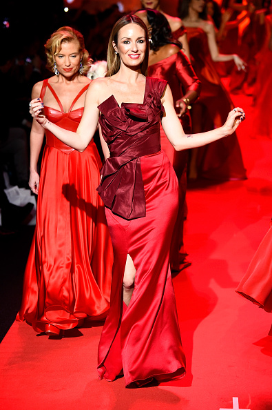 Catt Sadler「Go Red For Women Red Dress Collection 2015 Presented By Macy's At Mercedes Benz Fashion Week - Runway」:写真・画像(13)[壁紙.com]