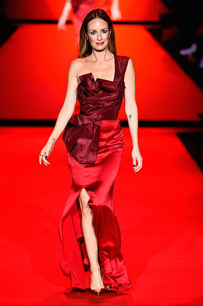 Go Red For Women Red Dress Collection 2015 Presented By Macy's At Mercedes Benz Fashion Week - Runway:ニュース(壁紙.com)