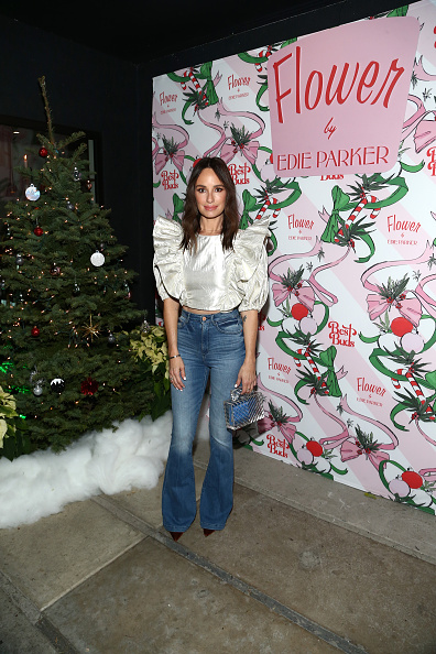 Catt Sadler「Best Buds Holiday Party With Kacey Musgraves And Flower By Edie Parker Flower」:写真・画像(6)[壁紙.com]