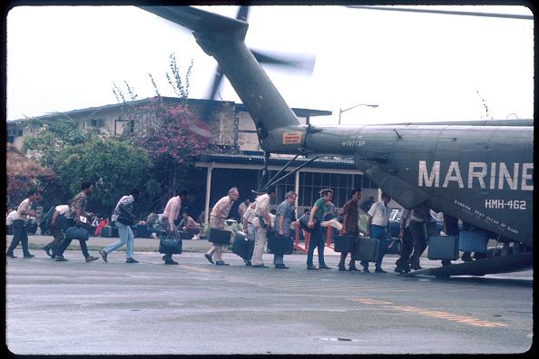 Evacuation「The Fall of Saigon: April 1975」:写真・画像(12)[壁紙.com]