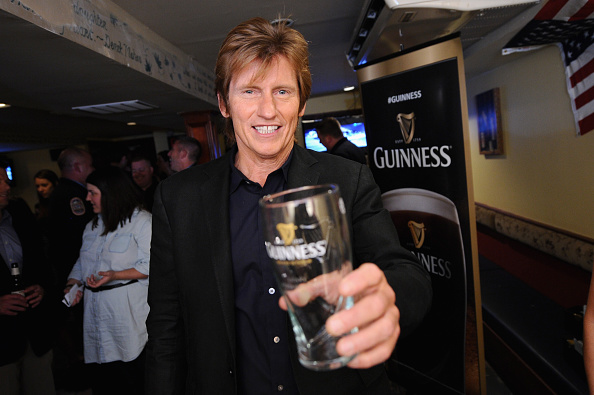 Crockery「Guinness Raises A Glass In Honor Of The Leary Firefighters Foundation During A Special Event」:写真・画像(5)[壁紙.com]