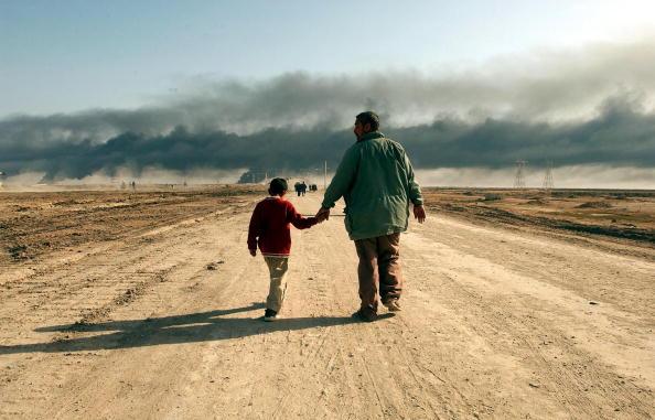 Global「Civilians Flee Basra」:写真・画像(4)[壁紙.com]