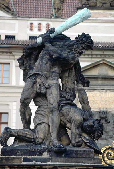 Travel Destinations「Statue at Hradcany Castle, Prague, Czech Republic」:写真・画像(2)[壁紙.com]