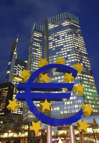 Sean Gallup「Euro Monument」:写真・画像(10)[壁紙.com]