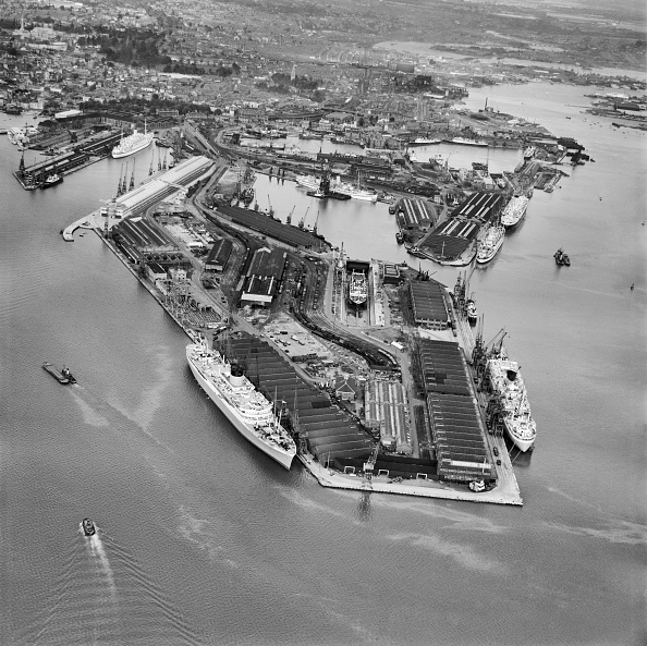Passenger Craft「Southampton Docks From The South」:写真・画像(4)[壁紙.com]