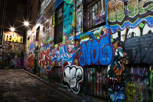 Mural「Graffiti/street art site at night, Hosier Lane area.」:スマホ壁紙(19)