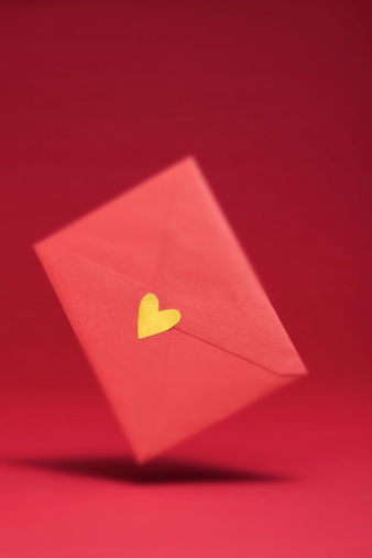 Conceptual Symbol「gold heart seal red envelope   in the air」:スマホ壁紙(16)
