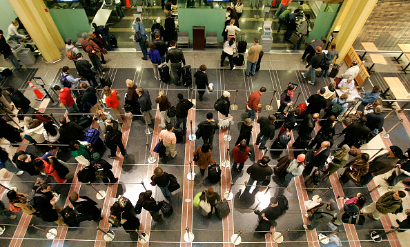Security「Holiday Travelers Brave Thanksgiving Exodus」:写真・画像(15)[壁紙.com]