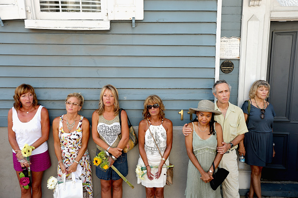 2015 Emanuel AME Church Charleston Shootings「Charleston In Mourning After 9 Killed In Church Massacre」:写真・画像(14)[壁紙.com]