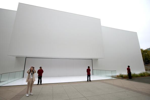 Apple Watch「Apple Unveils iPhone 6」:写真・画像(16)[壁紙.com]
