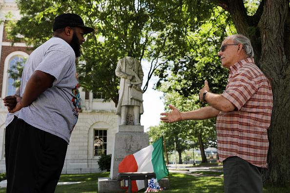 Three Quarter Length「Christopher Columbus Statue Decapitated In Connecticut」:写真・画像(10)[壁紙.com]