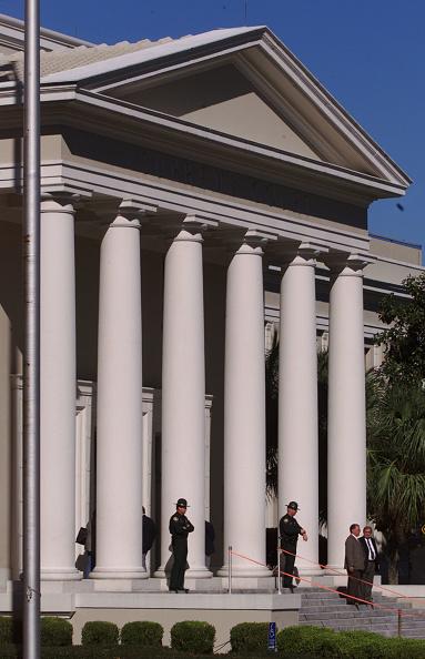Tallahassee「Gore Attorneys Address Media In Tallahasse」:写真・画像(5)[壁紙.com]
