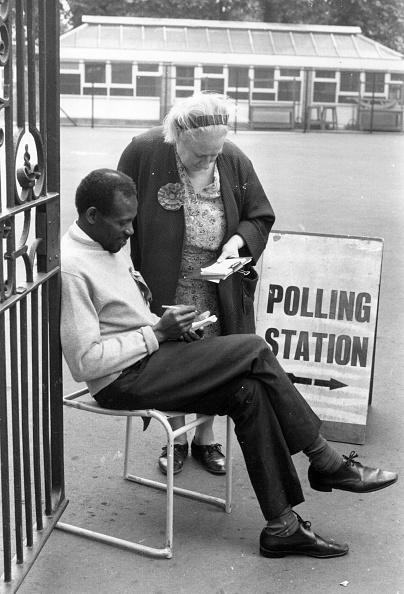 Males「Polling Station」:写真・画像(12)[壁紙.com]