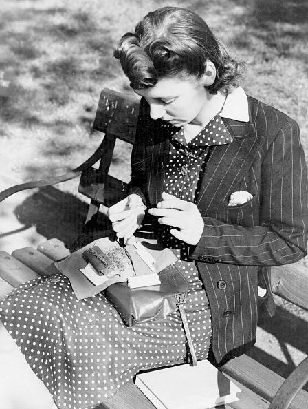 Fred Morley「Rolling Her Own」:写真・画像(4)[壁紙.com]