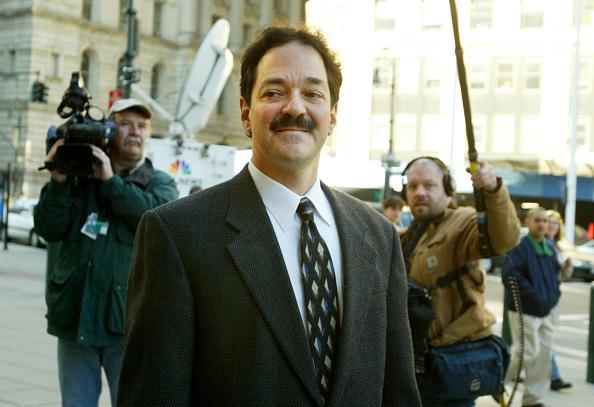 Chris Hondros「Frank Quattrone Arrives At Court」:写真・画像(13)[壁紙.com]